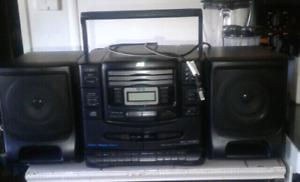 Large jvc am - fm radio  cassette  3cd portable stereo system