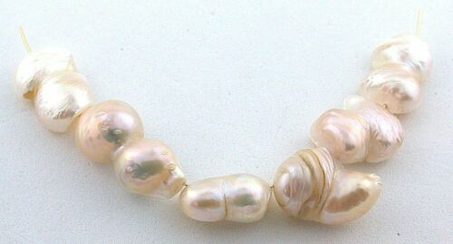 Six 1/2 to 9/10 Inch Natural Freeform Cream Freshwater Mabe Blister Pearl Beads