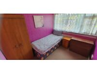 5X ROOMS AVAILABLE, Saxelby Close, B14 5NX