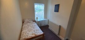 **FULLY FURNISHED ROOM AVAILABLE**FREE WIFI**BENEFITS ONLY**SMALL HEATH**HENSHAW RD**