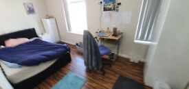 Rooms, Bills included, newly renovated, near 24hr transport uni,hospital