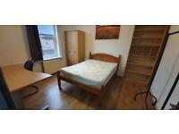 Bedrooms, bills included, near Oxford Rd, 2 baths,Uni, city centre,transport, supermarkets amenaties