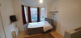 SELF CONTAINED STUDIO FLAT WITHIN 8 MINS WALK TO HERNE HILL STATION & CLOSE TO BRIXTON DSS WELCOME