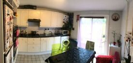 Amazing 3 bedroom house to rent in stratford - 10 minutes to stratford station