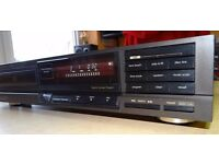 Technics cd player SL-P202A , very good condition and full working order