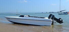 Speedboat - Phantom 16, 60hp Mercury & trailer. Ready for the water!