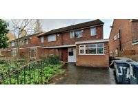 5 bed house,BILLS INC, 2 bathrooms, close to amenaties public transport, just off Willmslow Rd
