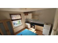 (BILLS INCL) Self contained studio flat. 10 mins walk to Brockley, New Cross Stations DSS WELCOME