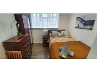 Lovely and Newly Style Studio Flat £1000pcm | Fully Furnished | 5min to Queens' Park | ref. 07-814P