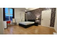 Bed rooms available, luxurty, bills included, Fallowfield, close to transport heading to Uni, city