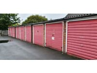 Rarely available garage to rent in Sutton within private close