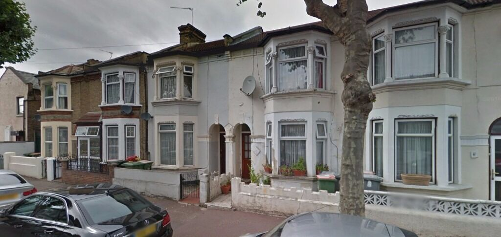 Beautiful and Spacious 3 Bed 2 Reception House