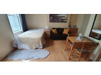 Large Studio Flat £1000pcm | Separated Kitchen | All Bills Included | 5 min to Kilburn | ref. 011-73
