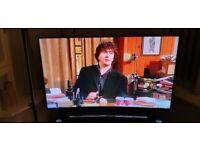 "SAMSUNG 55"" CURVED SCREEN 4K ULTRA HD SMART TV + STAND"