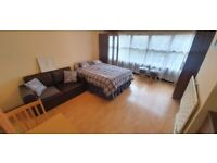 Offer: Large & Bright Studio Flat £980pcm | In Kilburn (Jubilee/Zone 2) | ref. 06-73