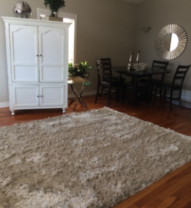 Pristine Floor Rug, Hand-made in India