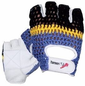 TurnerMAX Black Friday Deals You Can Avail Right Now On Amazon For TurnerMAX Weightlifting Gloves
