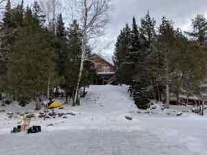 Executive lakefront home w Hot Tub & Sauna  March Break