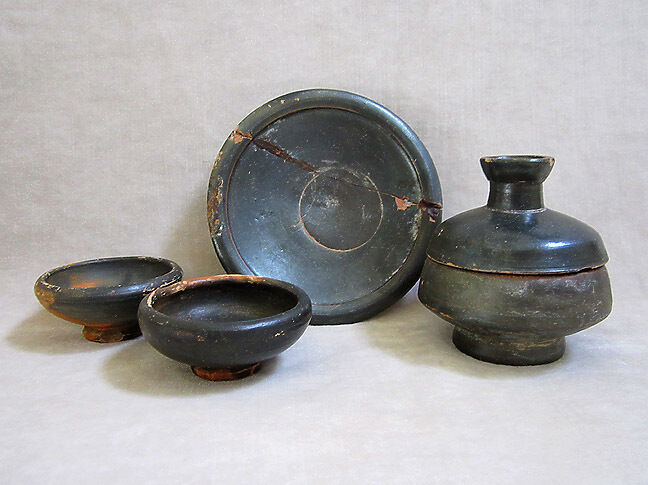 Group of FOUR ANCIENT BLACK-GLAZED VESSELS, ATTIC & SOUTH ITALIAN, c. 5-400 B.C.
