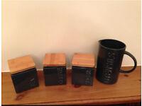 Kitchen storage jar set