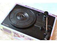 Crosley cruiser vinyl record player with blotooth speaker