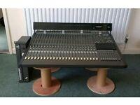 Behringer MX8000 - 24 Channel mixer w/Meterbridge