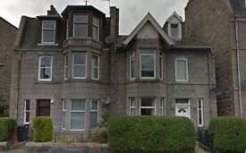 Immaculate 3 bedroom student flat - 5 minutes from Aberdeen University