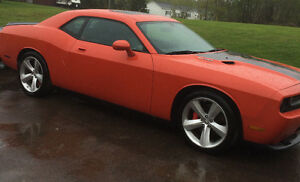 2010 Dodge Challenger SRT8 Coupe (2 door)