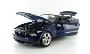 Maisto Special Edition 2010 Mustang GT Convertible 1:18 scale Windsor Region Ontario image 2