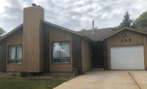 ST. VITAL HOUSE AVAILABLE FOR RENT