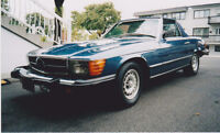Mercedez 1982 380 sl 65km comes with 2 tops.