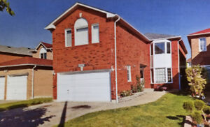 BEAUTIFUL 4 BEDROOM 4 WASHROOM DETACHED HOUSE IN MISSISSAUGA