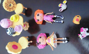 lalaloopsy carry-along playhouse and dolls