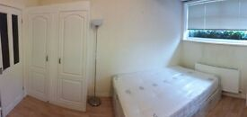 ENSUITE DOUBLE ROOM TO RENT IN HANGER LANE AMAZING HOUSE CLEANER BILLS INC