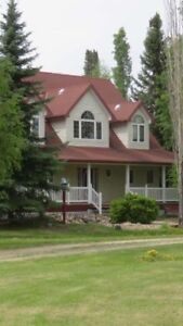 **BEAUTIFUL 5 BEDROOM HOUSE ON 10 ACRES**