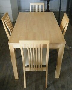 Table and 4 chairs set in excellent condition!