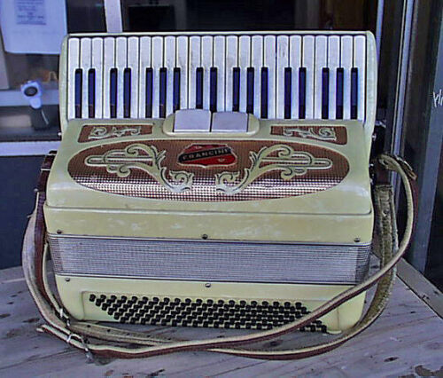 Beautiful Fully Working Yellow Pearlescent Classic Italian Francini Accordion
