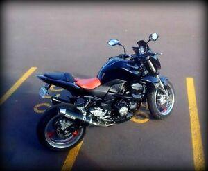 Kawasaki Z1000 Noir, pneus neufs, HID, exhaust