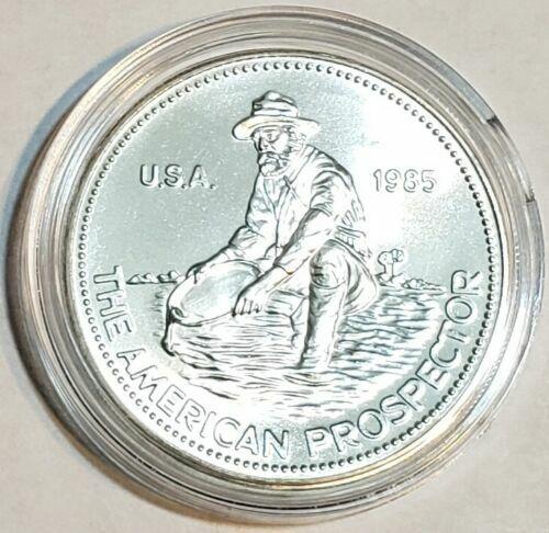 1985 The American Prospector Engelhard 1 Troy Oz. .999 Fine Silver Round