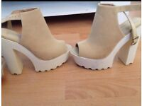Size 5 gorgeous stylish heels been used. Mint condition