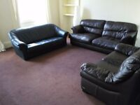 SPACIOUS AND NICE 5 BEDROOM STUDENT FLAT IN CITY CENTER. CLOSE TO DUNDEE AND ABERTAY UNIS.(11PAN3R)