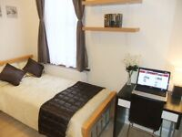♦▬ Superb Bright Room +LCD TV in Fashionable Stratford!FREE WiFi Cleaner. 10-15min by tube Zone 1 ▬♦