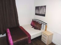 LARGE DOUBLE ROOM TO RENT NEAR LEYTON UNDERGROUND E11 4EU