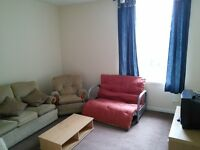 LOVELY 2 BEDROOM STUDENT FLAT, 5-7 MINS WALK TO UNIVERSITY OF DUNDEE AND DUNDEE CITY CENTRE.(6PP2M)