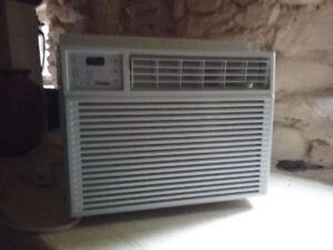 Window air conditioner. Like new.