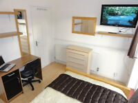 Great double room to rent in newly refurbished professional houseshare - all bills included!!
