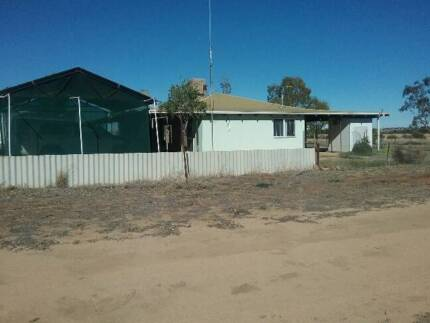 House with approx 2.8 hectares