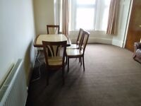 GREAT 2 BEDROOM STUDENT FLAT ON PERTH ROAD, WEST END. CLOSE TO DUNDEE UNIVERSITY. (270PR2R)