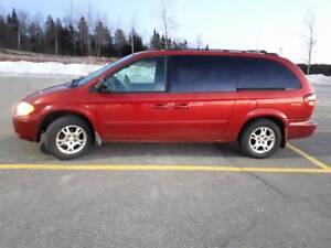 2004 Dodge Caravan SXT Passenger Van