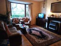 double bedroom in 3 bedroom house available